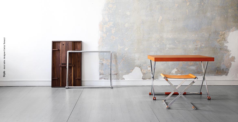 Stylo-desk table